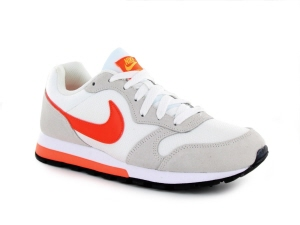 43f57a58db3 Nike MD Runner 2 WMNS